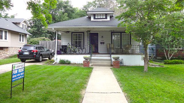 2 Bedroom Rental Home In Waldo Kansas City