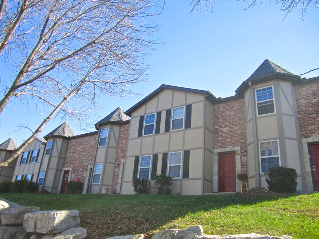 Olathe, KS Townhome Apartments For Rent